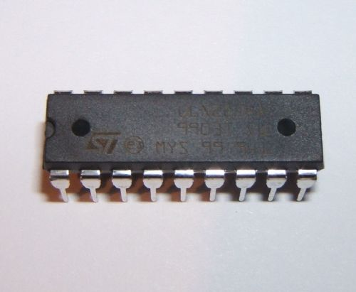 ULN2804 Transistor Array 8 x NPN 18 pin DIP Pack of 1